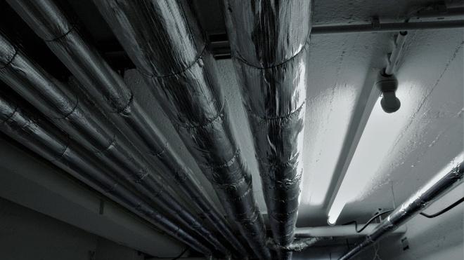 В подвале жилого дома в Петербурге обнаружили тротил