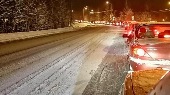 Пробки на мосту Дружбы в Выборге в январе 2019