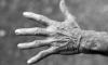 Рецидивист-извращенец из Омска поймал старушку около мусорки, избил и изнасиловал