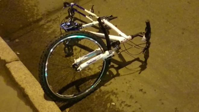 В Петербурге врач сбил 12-летнего велосипедиста и тут же начал лечить его