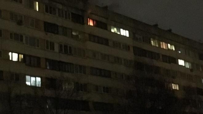 На Кустодиева сгорела квартира: хозяин решил не отдавать долг коллекторам
