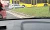 """На Выборгском шоссе автобус """"оторвал"""" иномарке бампер"""