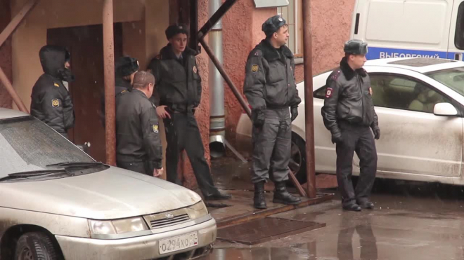 Мужчина скончался в больнице после удара ножом на Биржевой площади