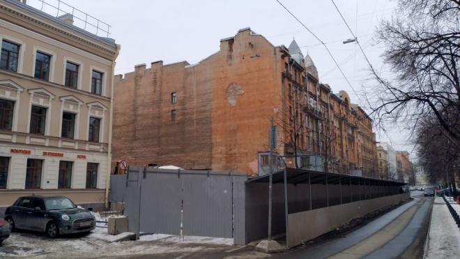 КГИОП проведет проверку у Дома Чубакова из-за сообщений о продолжающихся строительных работах
