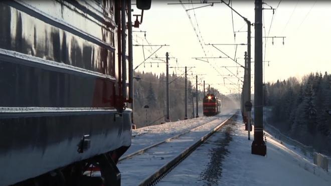 Из-за неисправности контактной сети в Ленобласти сбился график поездов