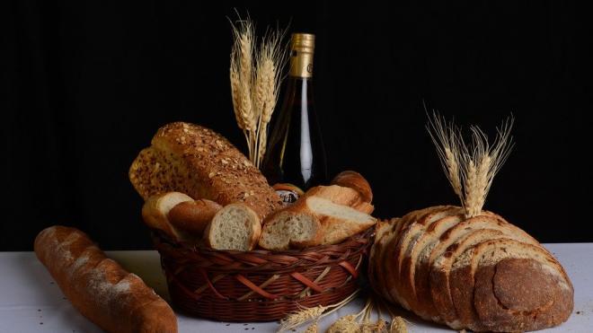 Диетолог Майкл Мосли рассказал об опасности черного хлеба для диабетиков