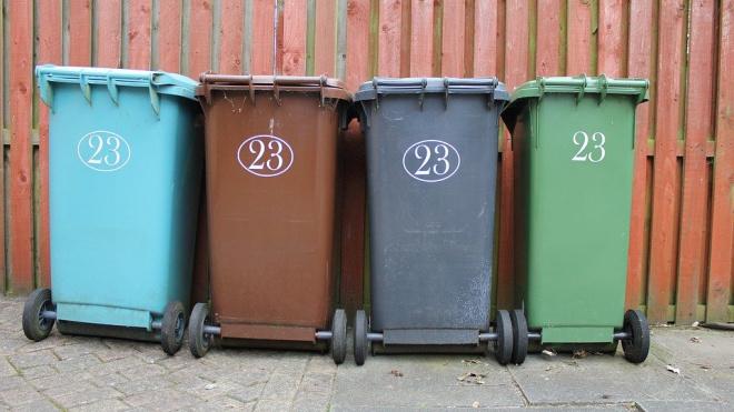В Петербурге предложили узаконить придомовой раздельный сбор мусора