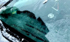 Кровельщики при уборке снега разбили машину петербургского музыканта Билли Новика