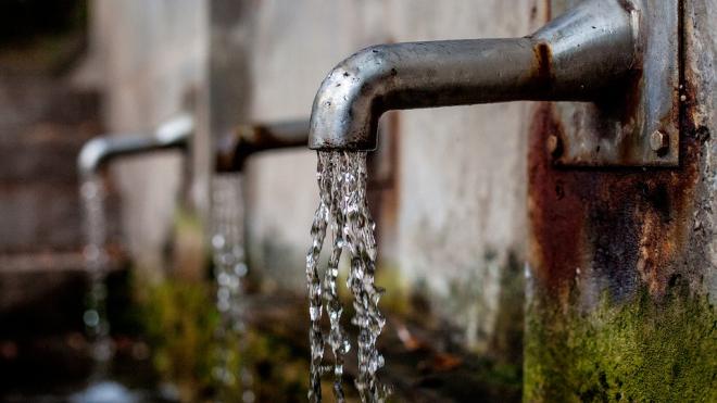 Жители деревни в Ленобалсти остались без холодной воды