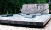 В Приморье неизвестные выбросили на помойку надгробья героев СССР