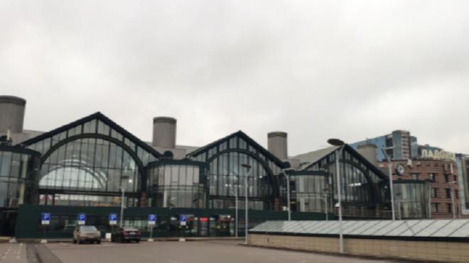 Полиция возбудила уголовное дело после ложного сообщения о готовящемся взрыве на Ладожском вокзале