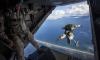 Разведчики ЗВО десантировались с высоты 2500 метров в Финском заливе