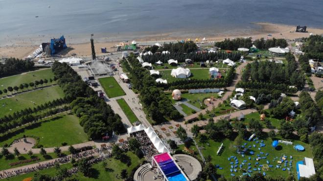 Москвичи раскупили билеты, чтобы попасть в Петербург на VK Fest