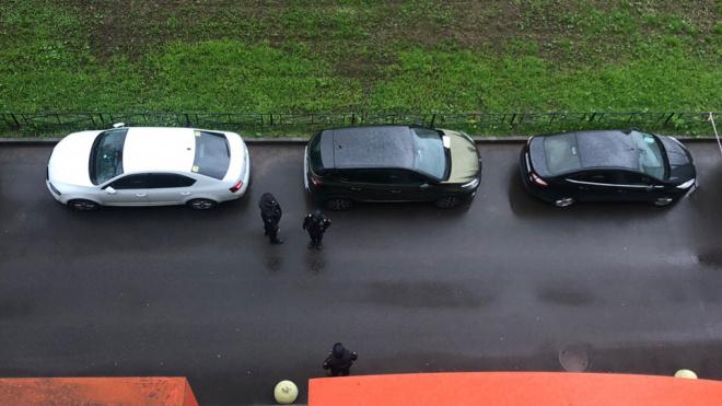 """""""Заминированная"""" машина напугала посетителей клиники """"Скандинавия"""""""