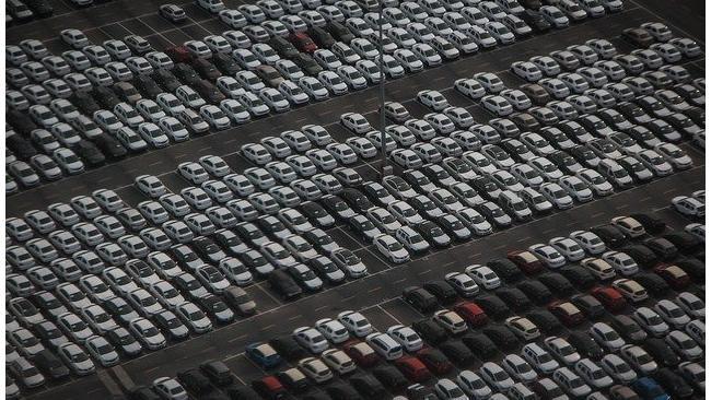 Дилеры предупредили о росте цен на автомобили