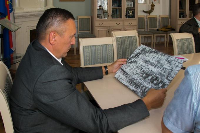 изображение на мозаике и место установки панно Бессмертный полк еще предстоит обсудить