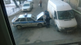 Машина вневедомственной охраны врезалась в припаркованный ...