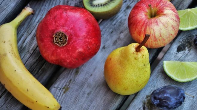 Диетологи рассказали о четырех необходимых весной фруктах