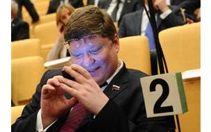 Депутат Исаев, устроивший пьяный дебош в самолете, ...