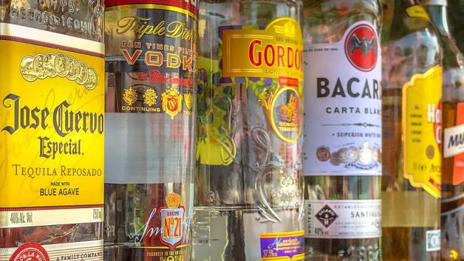 В Петербурге торговец спиртным получил трое суток за неповиновение полицейским