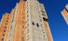 На севере Санкт-Петербурга молодой парень сорвался с 23-го этажа
