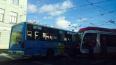 В Выборгском районе маршрутка врезалась в трамвай