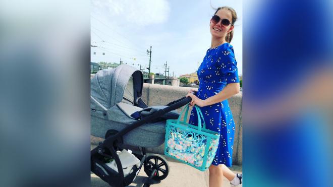 Елизавета Боярская поделилась летним фото с прогулки с сыновьями