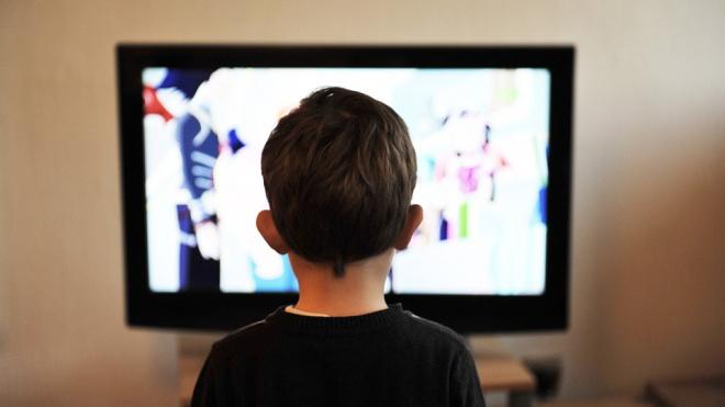 Четырбок предложил запретить рекламу лекарств во время детских передач