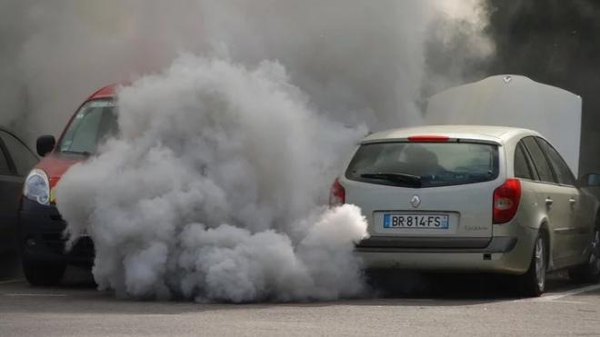 Специалисты назвали главный источник загрязнений воздуха в Петербурге