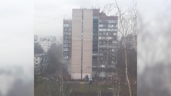 В общежитии на Гражданском вспыхнула подсобка на первом этаже