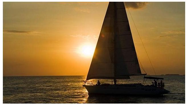 Пожилой британец погиб на своей яхте, защищая жену от пиратов