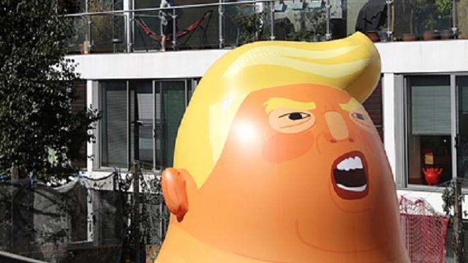 В Музее Лондона появился гигантский надувной Трамп