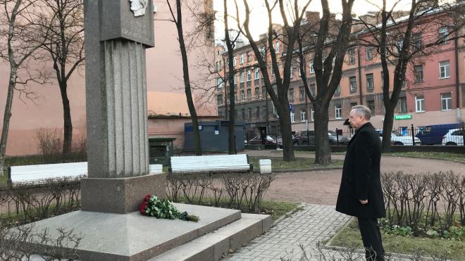 Александр Беглов почтил память ГалиныСтаровойтовой
