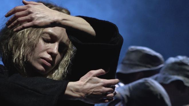"""""""Танго, упавшее в небо"""": рецензия на премьеру Руслана Кудашова в БТК"""
