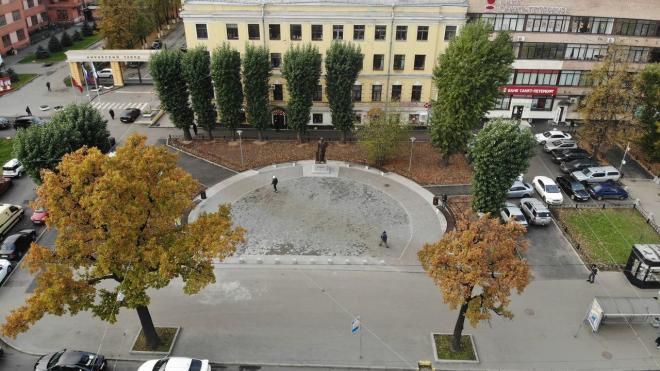 В Петербурге завершилось благоустройство Путиловского сквера