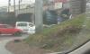 Под мостом на Боровой застряла бетономешалка