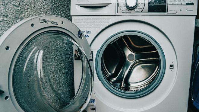 Мастер по установке стиральных машин умер от удара током в Янино