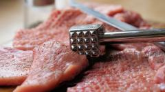 Поставщик мяса на Канонерском острове получит 1,5 млн рублей от партнера