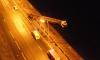 Автопоезд, пробив ограждение Октябрьской набережной, упал в Неву
