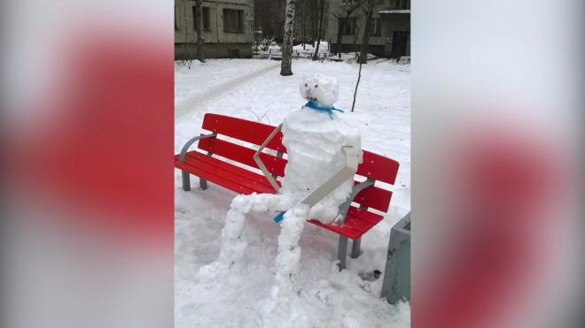 На проспекте Металлистов появился снежный человек