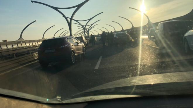 Очевидцы: на ЗСД столкнулись несколько автомобилей