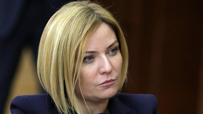 Любимова заявила, что театры и музеи откроются по решению главных санитарных врачей