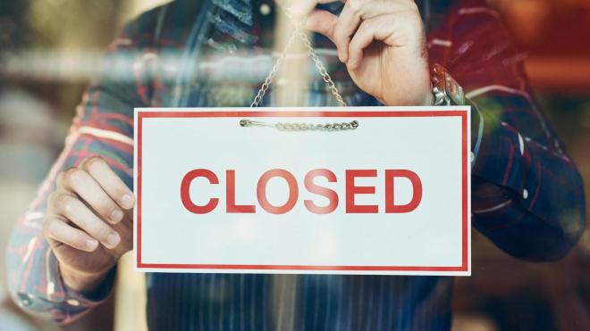 В Петербурге ограничат работуряда продуктовых магазинов