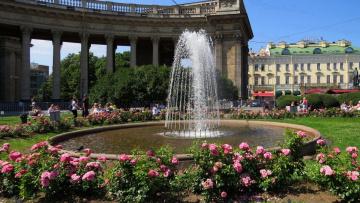 Сегодня в Ново-Манежном сквере включат первый фонтан
