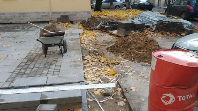 В Петербурге после проверки ГАТИ подрядчик пообещал оперативно завершить работы на Галерной улице