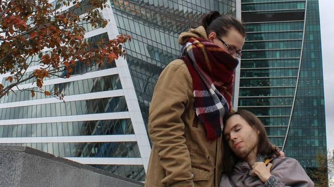 Врачи скорой испугались больного с температурой и жжением в груди? Странный случай на улице Михаила Дудина