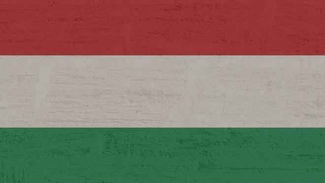 Венгрия продолжает вести переговоры с Россией о закупке вакцины