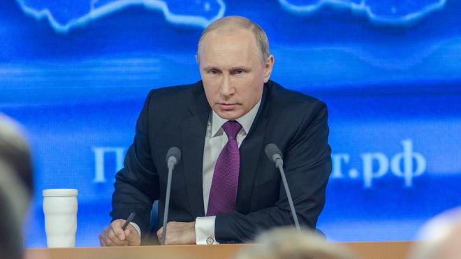 Путин приедет в Петербург на парад в честь дня ВМФ