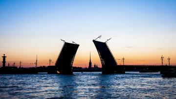 9 мостов Петербурга пройдут проверку на навигацию