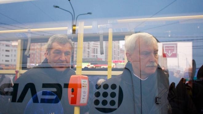"""В Петербурге в 1,4 тысячи автобусов разместят """"умные"""" видеокамеры"""